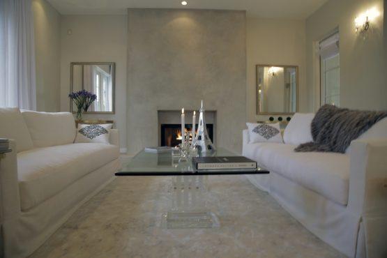 livingroomfrontal_